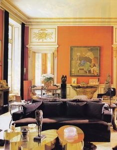 The classically modern salon in Henri Samuel's Paris pied-a-terre. Town & Country.  Photo by Oberto Gili.