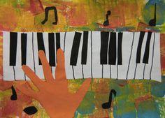 HRA NA KLÁVESY - znázornit klaviaturu, doplnit ji o další prvky, které ke hře patří (papírová koláž, tupování) . . . . . #klavesy #piano #klavir #akordeon #harmonika #klavesove_nastroje #klaviatura #hudebni_nastroje #hudebnici #muzikanti #noty #kolaz #papirova_kolaz #tupovani #hudba #music #collage #paper_collage #keyboard #keys #keyboard_instruments #accordion #musical_instruments #music_notes #musicians #vytvarka #vytvarne #napady #kidsart #kidscrafts #artatschool #preschoolart #predskolaci School Art Projects, Art School, Art Plastique, Lettering, Painting, Music Instruments, Music Party, Carnavals, Painting Art