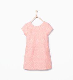 ZARA - ENFANTS - Robe avec poches en tissu texturé et surpiquée à la taille.