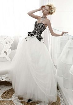 13a63aac97f Black and white wedding dress Chiffon Wedding Gowns