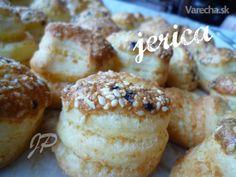 PAGÁČE - len tak k vínečku (fotorecept) - recept Naan Flatbread, 20 Min, Christmas Baking, Biscuits, Muffin, Good Food, Lens, Cooking, Breakfast