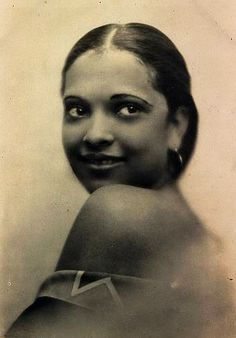 """Nina Mae McKinney, American theatre, film & TV actress. Dubbed """"The Black Garbo,"""" she was one of the 1st African-American film stars in the US, as well as one of the 1st AA to appear on British TV. She was also the 1st African-American actress to hold a principal role in a mainstream film (Hallelujah) & the 1st African-American actor to sign a long-term contract with a major studio (MGM). Still, Hollywood was afraid to make her into a glamorized icon like white actresses of the time. R.I.P."""