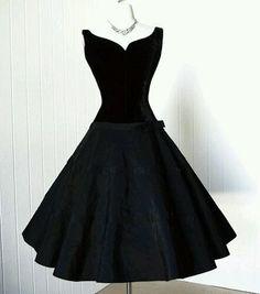 Modelo para vestido y camisa