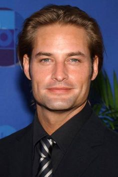 Josh Holloway at the ABC All Star Summer party Josh Holloway, Sarah Wayne Callies, Wife And Kids, Romance, Wattpad, Good Looking Men, Dimples, American Actors, Sexy Men