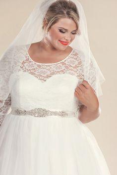 1960s Retro Style Plus Size Wedding Dress With The Art Deco Belt
