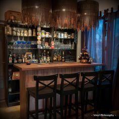 https://i.pinimg.com/236x/01/d7/5b/01d75ba2d1a7bdf7fb309a86ccd8a5c3--diy-home-bar-home-bars.jpg