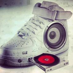 sneaker boom box w/ cd player Cool Stuff, Funny Stuff, Funny Pics, Funny Pictures, Music Shoes, Zumba Shoes, High Top Sneakers, Sneakers Nike, Baskets Nike