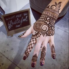 Get unique henna design, simple henna design and new henna design ideas here. There are best henna tattoos here you must try. Tribal Henna Designs, Indian Henna Designs, Beautiful Henna Designs, Latest Mehndi Designs, Simple Mehndi Designs, Henna Tattoo Designs, Mehandi Designs, Beautiful Mehndi, Mehendi