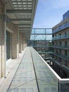 Solid 11 / Tony Fretton Architects (tijolo de vidro)
