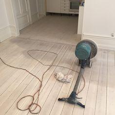 vitpigmenterade plankgolv - Sök på Google Vacuums, Home Appliances, House Appliances, Vacuum Cleaners, Kitchen Appliances, Appliances