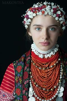 Traditional Ukrainian beaded necklace made from coral 💗🖤 Коралі Folklore, Mode Russe, Eslava, Floral Headdress, Ukrainian Dress, Ethno Style, Costumes Around The World, Russian Folk, Russian Fashion