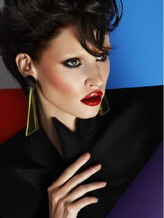 Turkish Vogue - Lara Stone - Cüneyt Akeroğlu - 2012.  Makeup by Lisa Eldridge http://www.lisaeldridge.com/gallery/editorial/