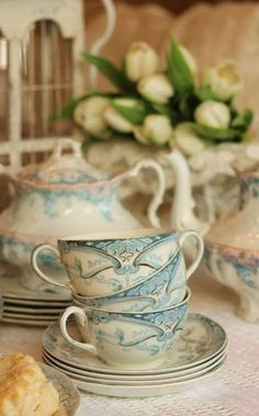 Tea set in blue and ivory.