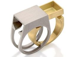 sliding ring interlocking materials track compartment function possible double ring Contemporary Jewellery, Modern Jewelry, Unique Jewelry, Jewelry Art, Jewelry Rings, Jewelry Design, Jewelry Accessories, Funky Jewelry, Double Ring