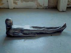 "Antony Gormley - ""Plateau"", 1985-1986. Escultura contemporanea. #arte #iconocero Abstract Sculpture, Sculpture Art, Metal Sculptures, Bronze Sculpture, Antony Gormley Sculptures, Contemporary Sculpture, Contemporary Art, Installation Art, Art Installations"