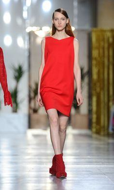 Osman - Fashion Month Trendspotting: Head-to-Toe Red - ELLE.com (=)