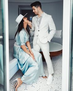 Recently held Cannes festival 2019 in France, where many Bollywood and Hollywood celebrities showed their elegance and class. Priyanka Chopra and Nick Jonas also showed their romantic side on the Cannes festival Bollywood Couples, Bollywood Celebrities, Bollywood Fashion, Bollywood Actress, Bollywood Stars, Actress Priyanka, Jonas Brothers, Celebrity Couples, Celebrity Style