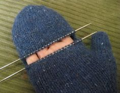Brilliant Photo of Mittens Knitting Pattern Mittens Knitting Pattern Chemknits Convertible Fenway Mitts Convertible Mittens Knitted Mittens Pattern, Crochet Mittens, Knitted Gloves, Knit Crochet, Crochet Hats, Crochet Granny, Knitted Blankets, Knitting Stitches, Free Knitting
