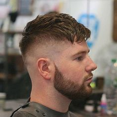 Peaky Blinders Hairstyle - Textured French Crop with Beard Older Men Haircuts, Haircuts For Fine Hair, Hairstyles Haircuts, High Fade Haircut, Crop Haircut, Tommy Shelby Hair, Peaky Blinders Frisur, Kids Hair Gel, Peaky Blinder Haircut