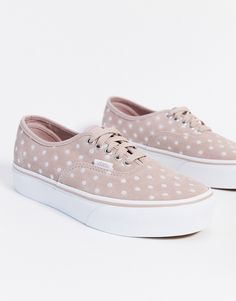 Baskets Vans rose pale et pois disponibles sur girlsonmyfeet.com, click to shop 🔗 Vans Rose Pale, Asos, Basket Vans, Profile Design, Mode Online, Polka Dot Print, Vans Sneakers, Real Leather
