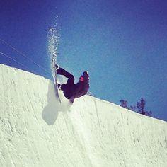 Springtime pipe slash. Photo by springbreaksnowboarding    #snowboard