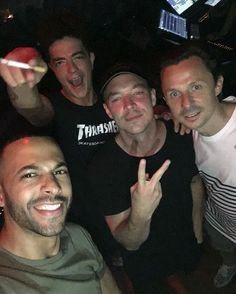 @pachaofficial banged last night. Here's me and the crew! Ain't no pic without a cig. @marvinhumes / @billykennymusic / @diplo / @martinsolveig  #Diplo #wesleypentz #thomaswesleypentz #majorlazer #PeaceIstheMission #jackÜ #maddecent #edm #edmfamily
