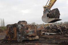 Extraction des structures enterrées sur AMS Sud à Charleroi #spaque #fricheindustrielle #remediation #brownfields #rehabilitation