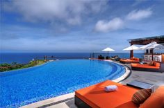 The Edge exclusive 10 bedroom villa is located on the edge of a cliff offering breathtaking views of the Indian Ocean.