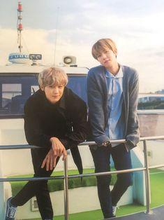 [FANTAKEN] Baekhyun and Chanyeol in volume 9 of the official EXO-L Japan fan club magazine. Exo Chanbaek, Exo Ot12, Park Chanyeol, Kyungsoo, Kpop Exo, Exo K, K Pop, Shinee, Otp