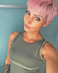 Ich wünsche euch einen wunderschönen guten Morgen 🤗 ich mache mich jetzt fertig und dann gehts nach Metzingen bisschen shoppen 😘  #weekend #saturday #shopping #outlet #outletcitymetzingen #outletcity #fashion #fashionista #fashionblogger #beauty #beautiful #love #amazing #hair #haircut #hairstyle #haircolor #pixie #pixies #pixiecut #undercut #pinkhair #pinklove #pastelhair #stuttgart #0711 #photo #photooftheday