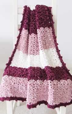 This free crochet blanket pattern features a unique lace stitch and a gorgeous picot border. The easy step by step tutorial is suitable even for beginners. This afghan looks luxurious in chunky Bernat Velvet yarn. Make one for you or for your baby. Crochet Blanket Tutorial, Baby Afghan Crochet Patterns, Crochet Cowl Free Pattern, Crochet Mask, Easy Crochet Blanket, Crochet For Beginners Blanket, Free Crochet, Crochet Throws, Crocheted Blankets
