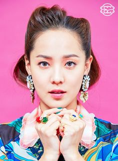 EUGENE (the E of S.E.S) nothing like a few E's now and then! (Her real name is Kim Yoo-jin) so technically the group should be SYS. all SYStems go. Eugene Ses, South Korean Girls, Korean Girl Groups, Face Study, Blackpink Fashion, Kpop, First Girl, 20th Anniversary, Best Face Products