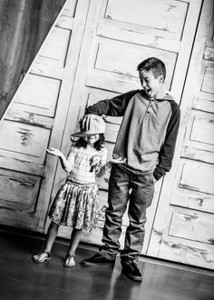 Pic Couture photography studio in Utah! Fun, creative, stylish, dramatic and affordable family photography! Child photography. Check out our website: piccouture.com