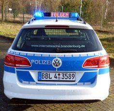 Volkswagen Passat Variant Trendline BMT 2.0 TDI DSG (2012) - Funkstreifenwagen des Wach- und Wechseldienstes des Bundeslandes Brandenburg ☺
