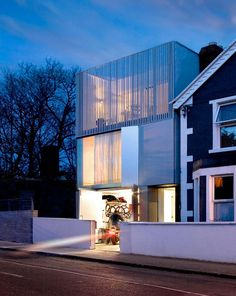 Grangegorman Residence by ODOS Architects | HomeDSGN, a daily source for inspiration and fresh ideas on interior design and home decoration.