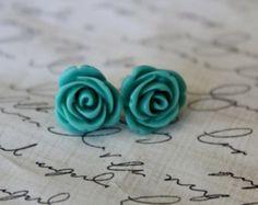aqua rose earrings... lovely with aqua nails