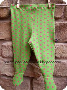 Para mi peque con amor: Pantalón con pies para bebé.