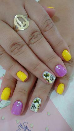 Nails Pretty Nails, Nail Designs, Lily, Make Up, Nail Art, Beauty, Flower, Gorgeous Nails, Polka Dot Nails