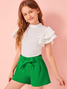 To find out about the Girls Keyhole Back Butterfly Sleeve Top & Belted Shorts Set at SHEIN, part of our latest Girls Two-piece Outfits ready to shop online today! Teenage Girl Outfits, Girls Fashion Clothes, Cute Girl Outfits, Kids Outfits Girls, Tween Fashion, Teen Fashion Outfits, Cute Casual Outfits, Baby Girl Dress Patterns, Outfit Sets