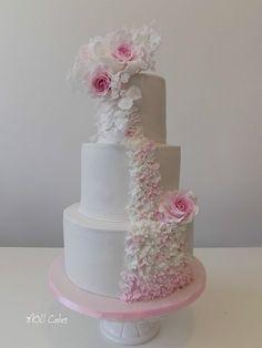 whit roses - cake by MOLI Cakes Camo Wedding Cakes, Wedding Cake Roses, Beautiful Wedding Cakes, Beautiful Cakes, Amazing Cakes, Cupcakes, Cupcake Cakes, White Cakes, Pink Cakes