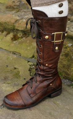 These boots are adorable and I love them and I want them. Haha.