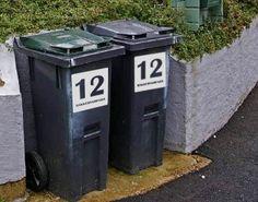 Adressemerker for søppelkasser i reflekterende folie.