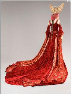 The Brothers Grimm, costume for the Evil Queen by Gabriella Pescucci