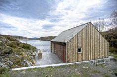 LANDETS FLOTTESTE NAUST: Dette naustet på Møre skjuler alt annet enn båter og fiskeutstyr.
