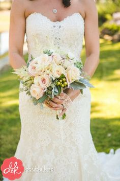 This bouquet is the PERFECT for a beautiful spring/summer wedding