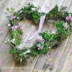Ein Kranz in Herzform zum Valentinstag oder einfach nur so. Anleitung auf dem Blog Craftyneighboursclub.com