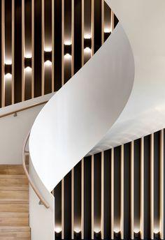 Gallery of Joachim Herz Foundation / Kitzmann Architekten – 5 Image 5 of 33 from gallery of Joachim Herz Foundation / Kitzmann Architekten. Photograph by Kitzmann Architekten With Heiner Leiska Interior Staircase, Modern Staircase, Staircase Design, Interior Architecture, Interior Design, Stair Handrail, Staircase Railings, Spiral Staircase, Stairways