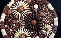 Cressida Bell daisy cake