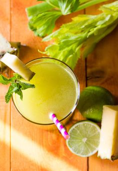 Purifying Extract Pineapple Celery Fennel and Lime - A Bette .-Estratto Depurativo Ananas Sedano Finocchio e Lime – A Better Juice Purifying Extract Pineapple Celery Fennel Lime - Smoothie Diet Plans, Smoothie King, Smoothie Detox, Juice Smoothie, Smoothies, Healthy Juices, Healthy Drinks, Healthy Eating, Healthy Recipes
