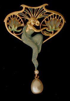 Art Nouveau Plique-à-Jour Enamel, Diamond, Pearl, and Gold Maiden Pendant/Brooch by Lluís Masriera Rosés, Barcelona